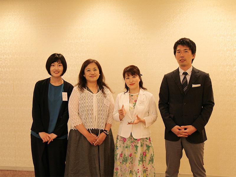 ▲石坂産業様(中央のお二人)とパラドックスのメンバー。